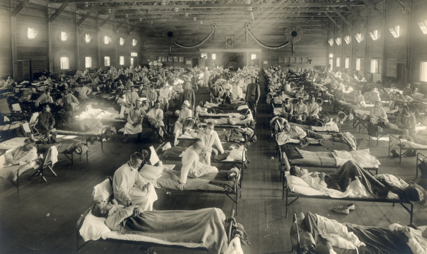 Crowded emergency hospital full of patients and nurses circa 1918