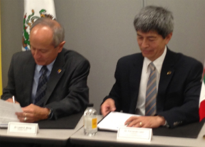 SF State President Les Wong and CETYS President Fernando León García sign historic cooperation pact
