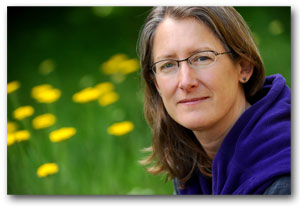 A photo of SF State biologist Gretchen LeBuhn