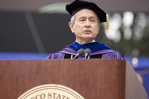 President Les Wong addressing SF State graduating grad students.