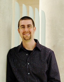 Photo of Associate Professor of Psychology Ryan Howell.