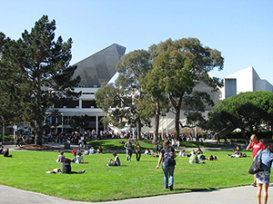Photo of students on the SF State Quad