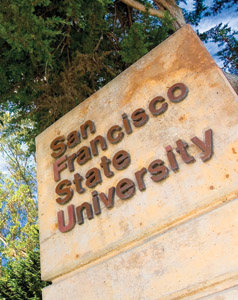 A photo of the SFSU sign.